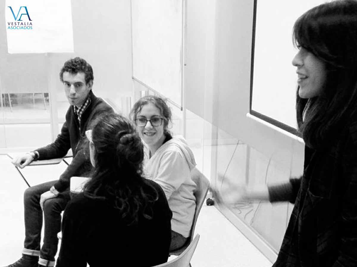 Delia el taller de Mediación de TEIDE