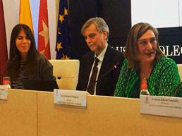 Delia Rodríguez presenta, junto a la Decana Sonia Gumpert, en la última charla-coloquio del ICAM