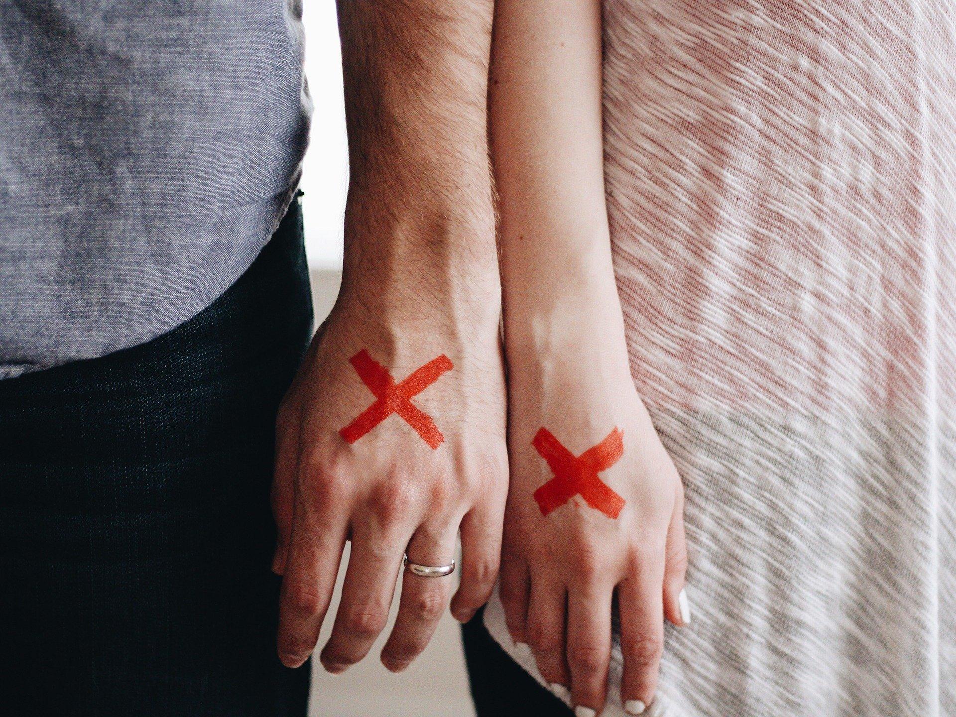 Tarjeta de Familiar Comunitario y Divorcio